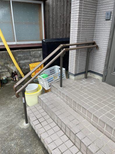 【手すり】玄関前手すり新設工事